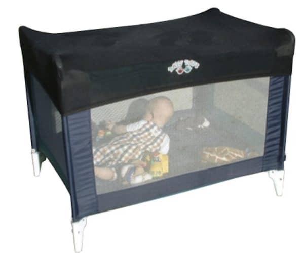 Portable baby cot shade.